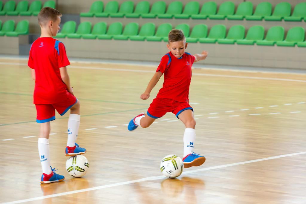 Buty dopiłki nożnej halowej dla dzieci